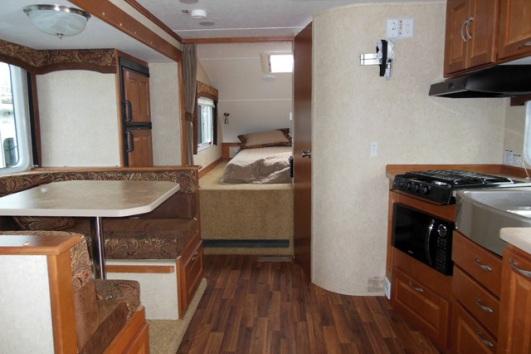 2014 Chalet Rv Ds116fb Truck Camper Interior