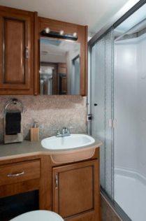 2014-fleetwood-terra-se-bathroom
