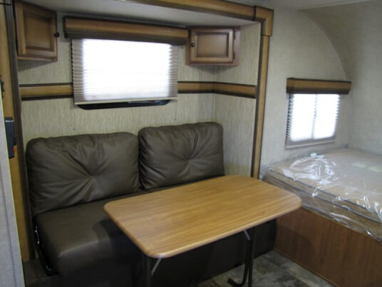 2014-palomino-palomini-150rbs-travel-trailer-sofa