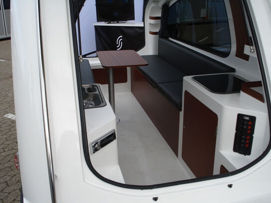 2014-sealander-caravan-trailer-and-yacht-interior-front