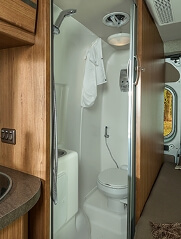 2014-winnebago-travato-59g-bath
