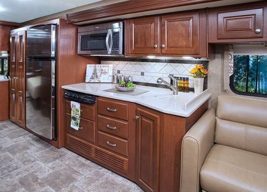 2015-thor-palazzo-class-a-diesel-model-35-1-motorhome-kitchen