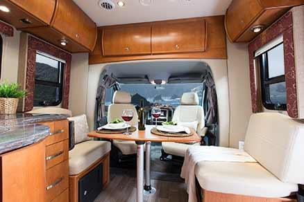 2014-leisure-travel-vans-unity-u24tb-front