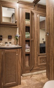 2016 KZ-RV Sportsmen S330IK Bathroom