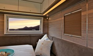 Action Mobil Globecruiser 7500 Interior Dining View